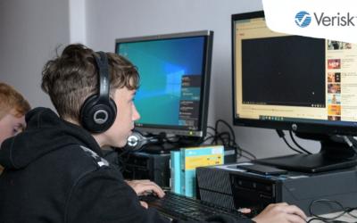 Hakersi odkrywają Pythona z Veriskiem